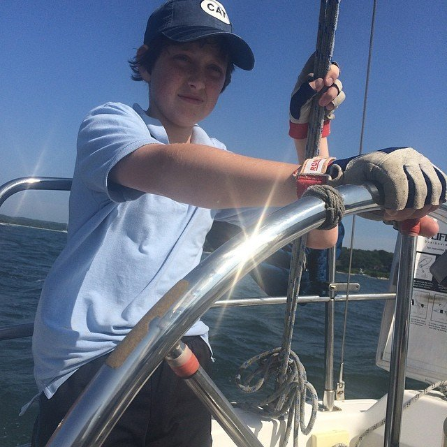Cap'n elvis masters buzzards' bay at the helm of a 28'er